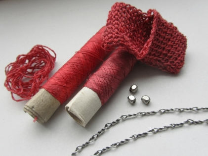 Mixing two slightly different reds made for a more vibrant yarn.